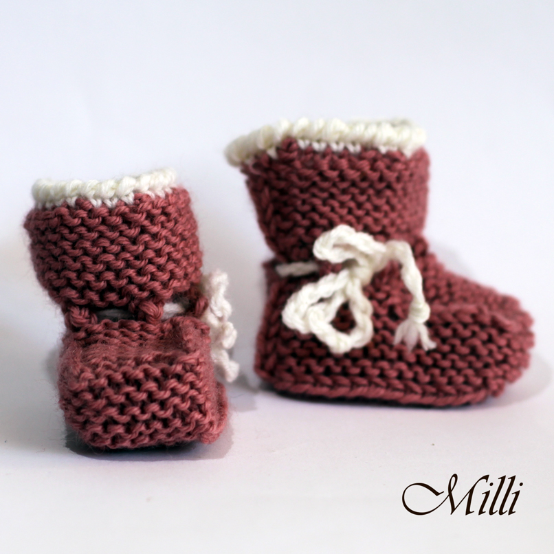 Knitted baby boots, 7cm length