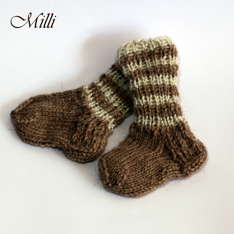 Warm handmade baby socks, 8cm