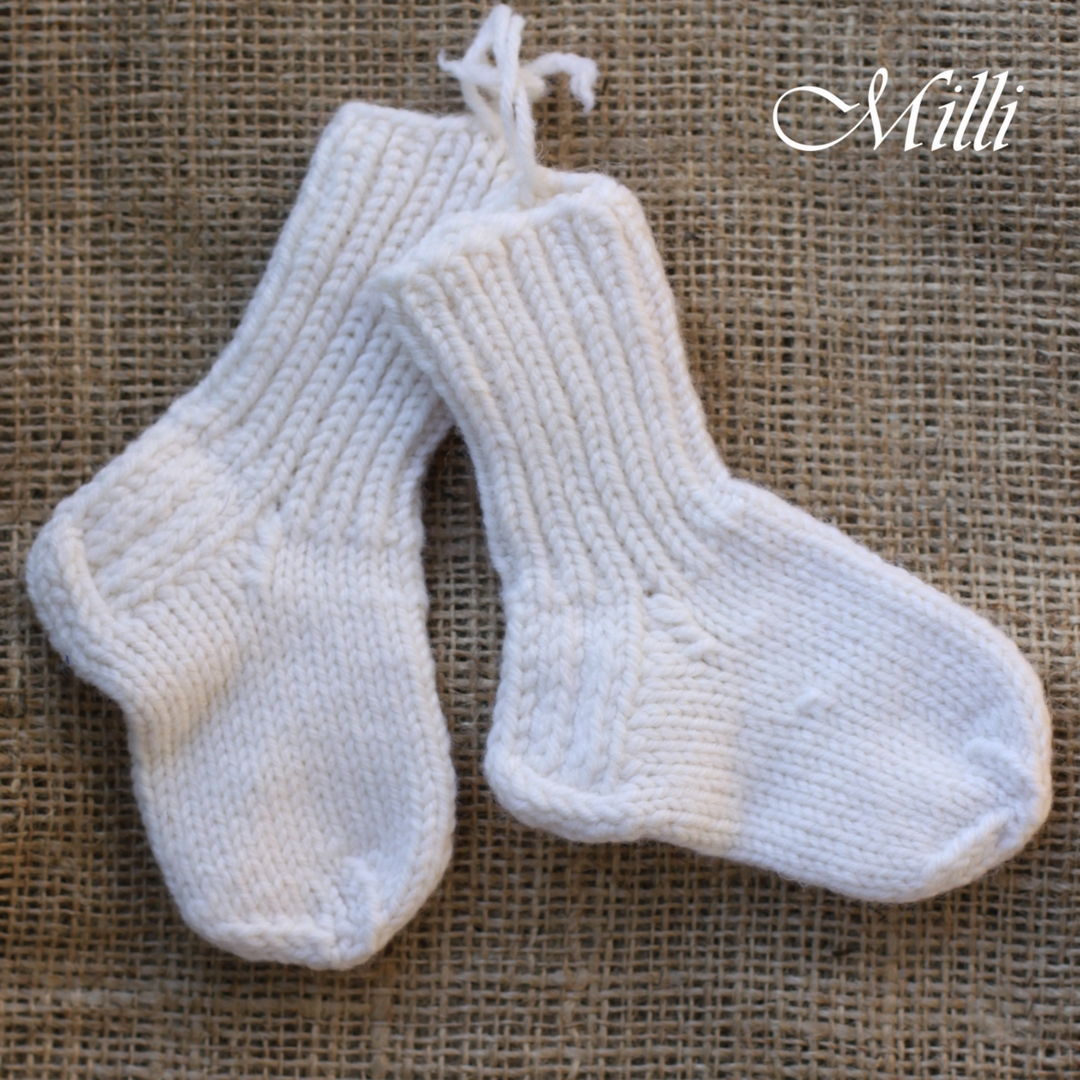 Knitted handmade baby socks wool 9-12cm by MilliCrafts.com